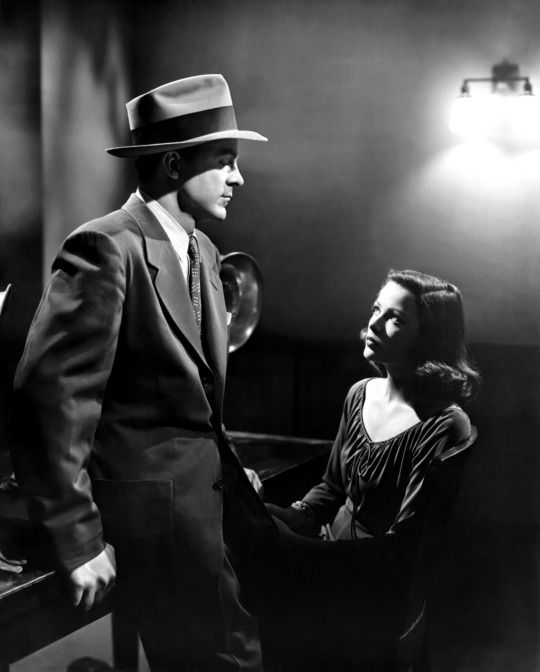 "Dana Andrews and Gene Tierney in ""Laura"" (Otto Preminger, 1944)."
