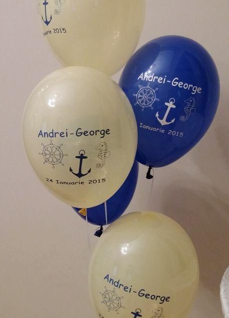 Baloane personalizate, baloane inscriptionate cu numele, data evenimentului si diverse motive de botez (ursuleti, fluturasi, floricele, tema marina, un personaj de desene animate, motive specifice botezului).