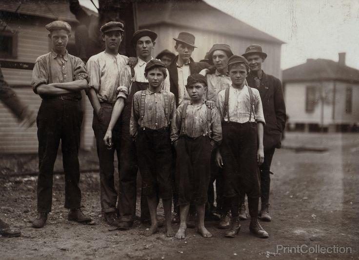 Workers in Avondale Mills. Location: Birmingham, Alabama.