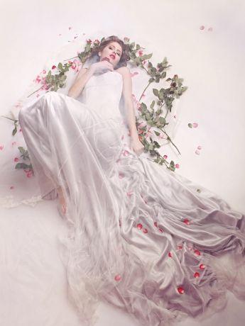 A gorgeous new wedding dress by IOSOY Barbara Weigand. photography: www.marina-grafik.com und alina preiss