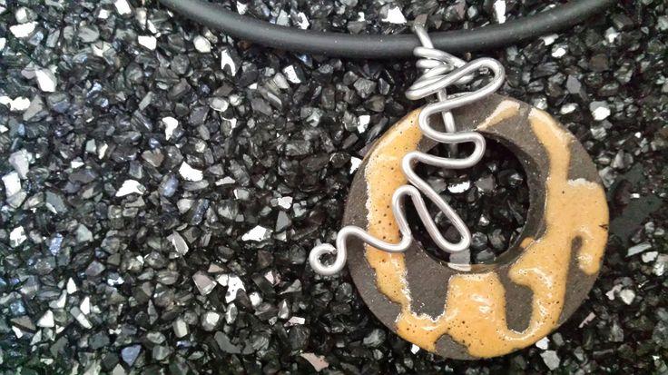 Jewels by Fosca Rovelli - ceramic Raku, wire, caucciù