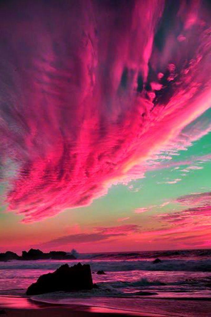 Gorgeous pink clouds ما أجملها ،، وما أروعه !!؟