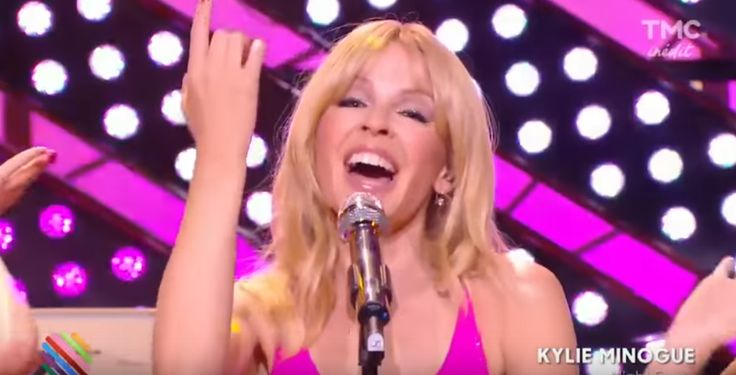 WATCH: Kylie Minogue – Night Fever (Live at Quotidien) http://celebratekylie.com/2016/12/03/watch-kylie-minogue-night-fever-live-at-quotidien/