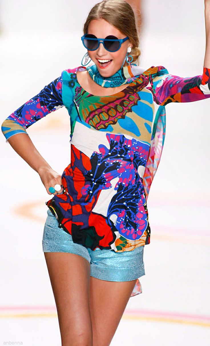 Desigual 2014, love this top. Too bad we don't have one of these around here.