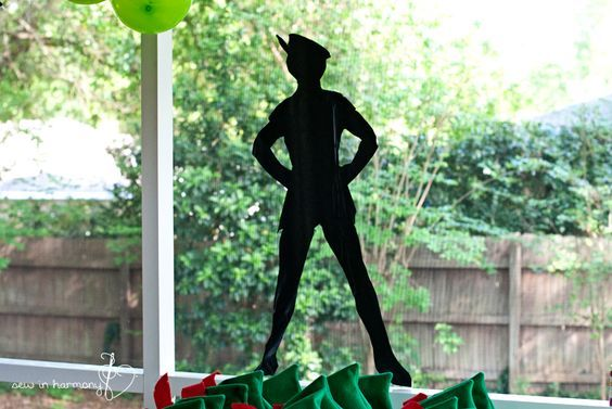 how to make a peter pan hat from cardboard