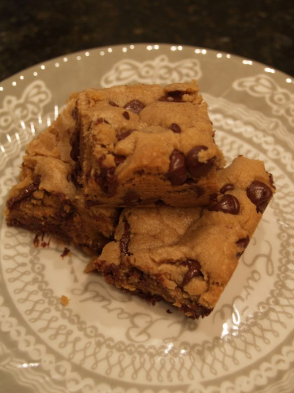 Biscoff Chocolate Chip Blondies | Biscoff Recipes | Pinterest