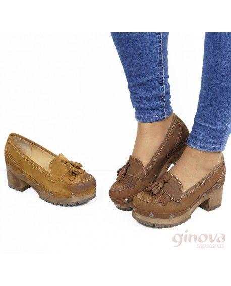 5a6622ca0 Sapato De Senhora com Franjas e Berloques   outono Inverno 2018 ...