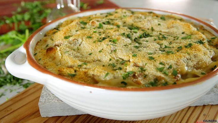 Receita de Bacalhau com alheira gratinado. Descubra como cozinhar Bacalhau com alheira gratinado de maneira prática e deliciosa!