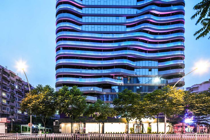 The project is located on a complicated site, in the old city centre of Fuzhou, the capital of the Fujian Province. With a Floor Area Ratio of 5,0 and many l...
