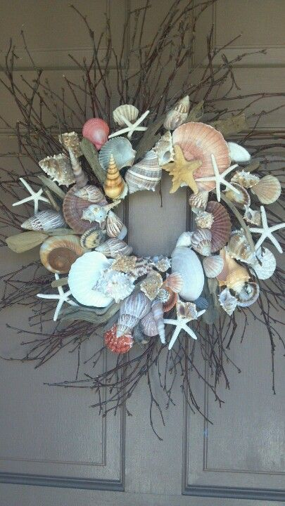 shell wreath..yea but the article with it has nothung to do with this wreath as far as I can tell