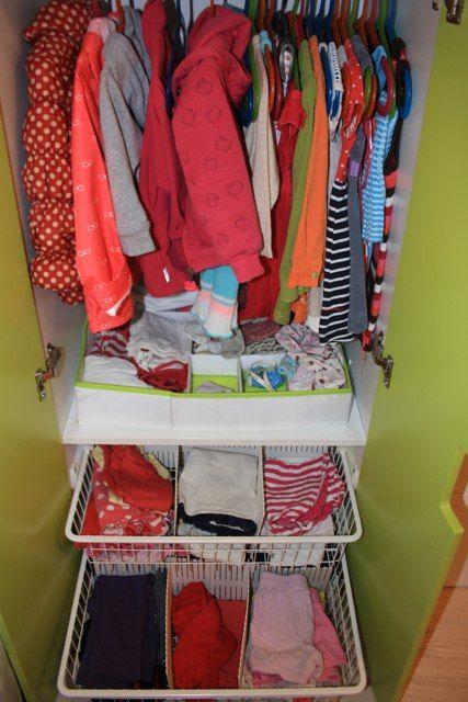 Детский шкаф с разделителями и органайзером.