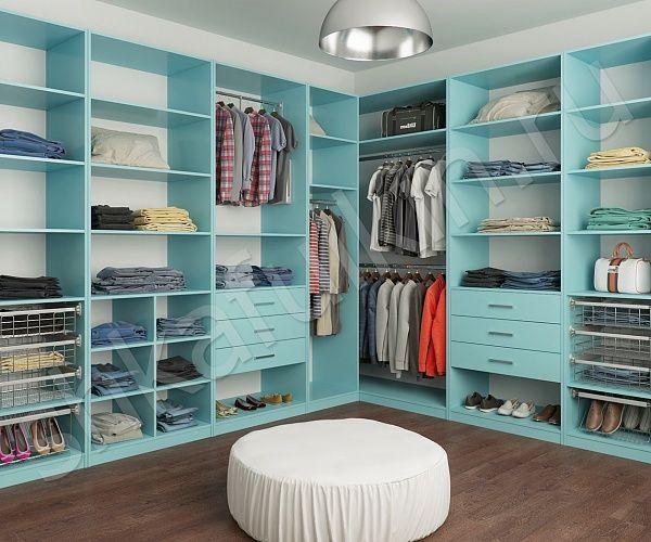 Гардеробная комната поможет освободить жилую площадь дома от тяжелых и громоздких стенок и массивных шкафов. Гардеробные изготавливаются на заказ с учетом индивидуальных предпочтений хозяев. Основное отличие гардеробных комнат от шкафов – то, что в них с легкостью можно подобрать не только одежду и обувь, но и создать неповторимый образ. При наличии дополнительного места – посмотреться в зеркало и даже погладить белье.