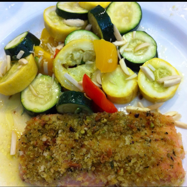 Crusted salmon with zucchini for lunch at work