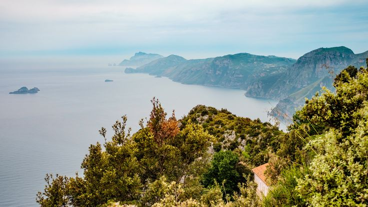 Path of the Gods, a stunnng view of the sea and surrounding nature. #amalficoast #pathofthegods #amalfi #positano #nocelle #agerola #panorama #picoftheday #view #landscape #sea #sun #trekking #path #stunningview #amazing #beautiful #nature #naturalpath #italy #southofitaly #visitamalficoast #visitsalerno #salerno #livesalerno #sentierodeglidei #pathofgods