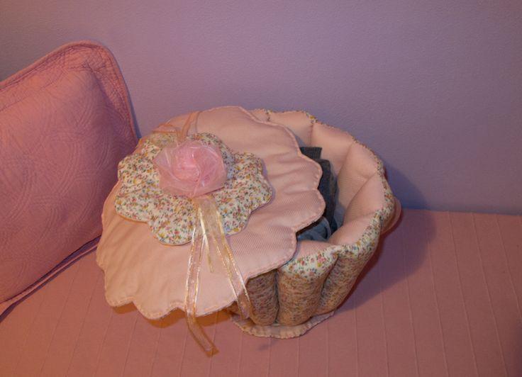 Craft'N'Roll ha pensato a un simpatico Porta Pigiama a forma di 'tazza', in tessuto di cotone Shabbychic (personalizzabile nelle stoffe) imbottito con cotone, morbido al tatto. Interamente fatto a mano con prodotti di alta qualità e Made in Italy. Per la vostra camera o quella dei vostri bimbi. www.facebook.com/CraftNRoll http://instagram.com/craft_n_roll