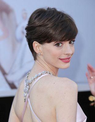 Anne Hathaway  Short Hairstyle - Anne Hathaway's Short Hair Style