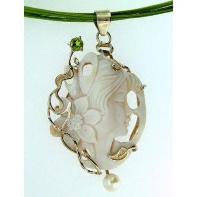 Cammeo volto montato in argento 925%° perla e peridoto cm 8.5 x 4.8