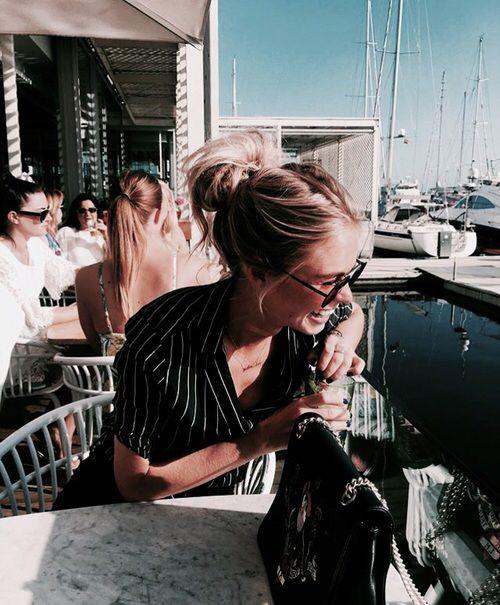 My dear!!! upsss !! :))))) cada quien su gusto ,bueno reconozcan hombres que ustedes también andan en esos lugares :))) unos mas refinados que otros ,eso a mi no me sorprende ,simplemente hay gente que me decepciono por lo que reflejan real y virtual ,pero la vida sigue y me siento liberada de algo insustancial suerte a todos queridos amigos ♥