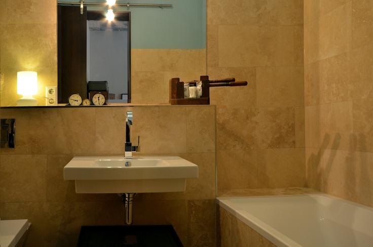 ROOM2 bathroom