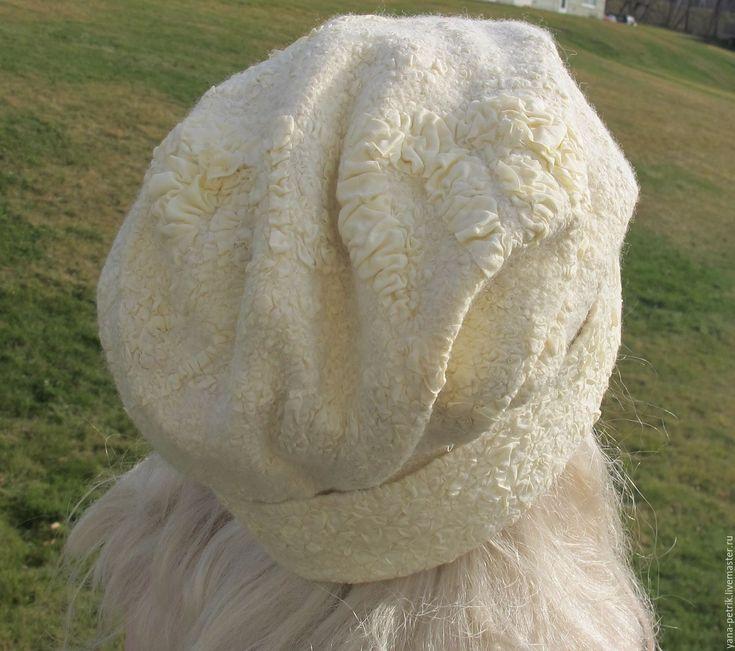 Купить Шапочка валяная Clarisse - бежевый, однотонный, шапочка ручной работы, валяная шапка