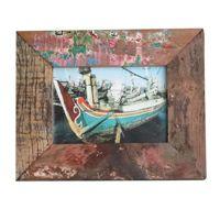 Fotolijstje gemaakt van oude vissersboten.