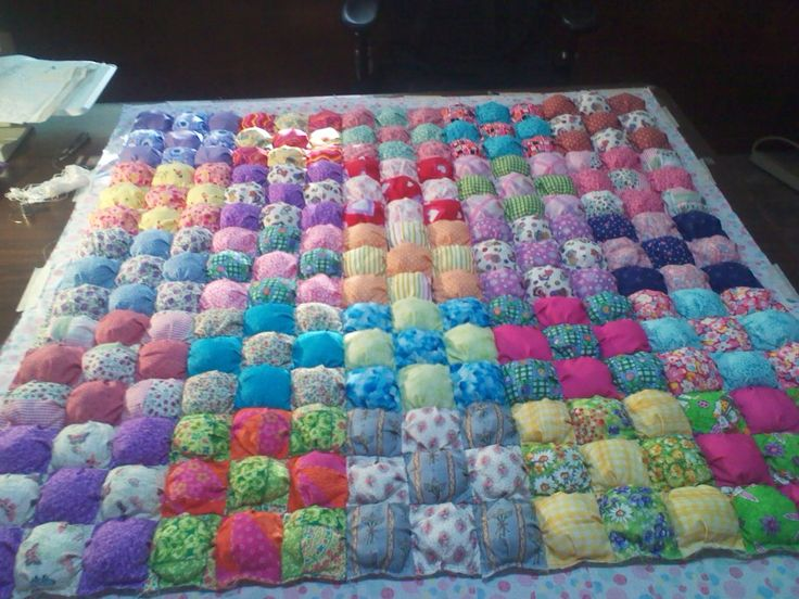 Free Pattern For Baby Puff Quilt : 1000+ images about Baby puff quilt & baby quilt patterns on Pinterest Puff quilt, Baby clothes ...