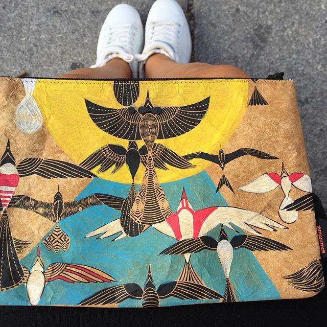 #NotSoKraft así de bonita le ha quedado a @pintamonas la customización de mi beauty bag de @skunkfunk_official   #Skunkfunk #CarlaBerrocal #BeautyBag #Ilustración #Customización #NSKexperience #InstaYear #Day252