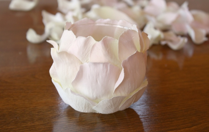 Skruben: How To: Easy Fabric Flower Petal Votives