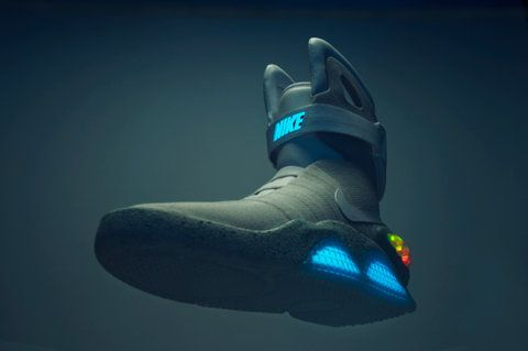 back to the now: Shoes Games, Robots Feet, Shoes Fashion, Shoes シューズ, Products Photography, Nikes Mag, Nikes Air Mag, Mag Air, Trainer