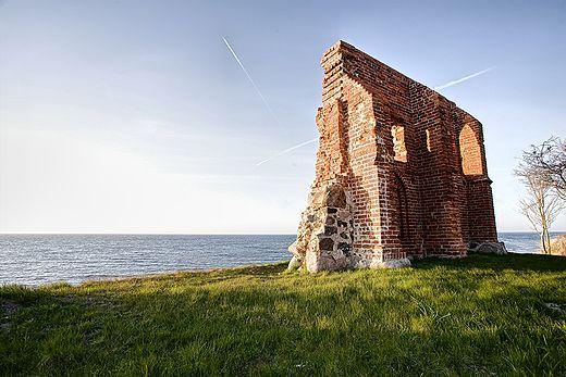Ruiny gotyckiego kościoła z XV w.Trzesacz