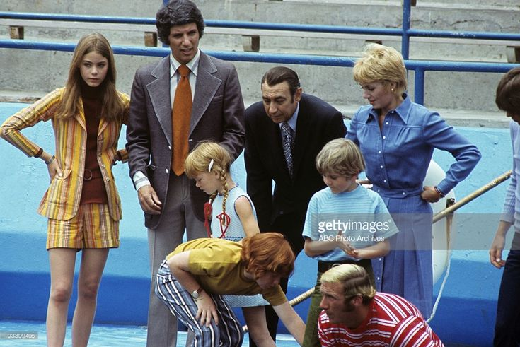 FAMILY - 'Whatever Happened to Moby Dick?' 10/22/71 Susan Dey, Bert Convy, Suzanne Crough, Danny Bonaduce, Howard Cosell, Brian Forster, Extra, Shirley Jones, David Cassidy