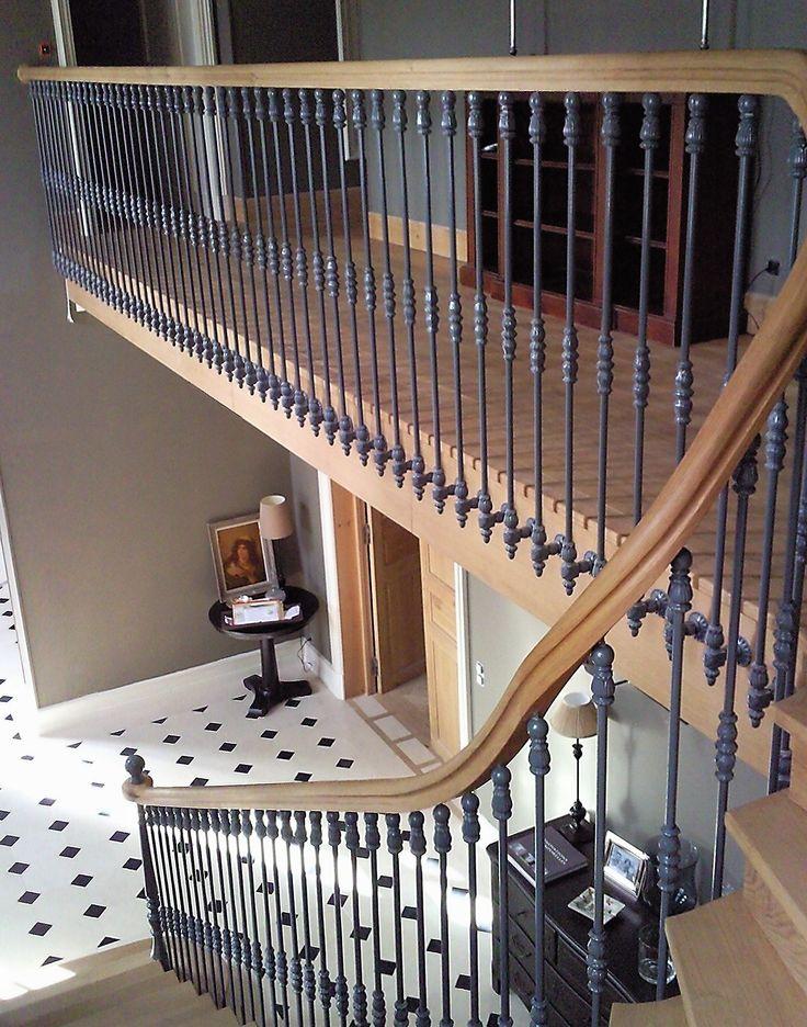 Les 25 meilleures id es de la cat gorie maison bourgeoise for Renovation cage escalier maison