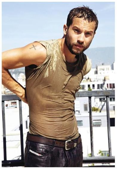 See what I mean? Logan Marshall-Green (aka Tom Hardy-lite)