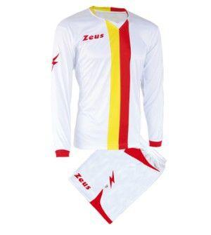 Fehér-Sárga-Piros Zeus B-Nario Focimez Szett rugalmas, sztreccses, elegáns, fehér alapon izgalmas színkombinációk mezen és nadrágon, kényelmes, tartós, váltómeznek is kitűnő választás a B-Nario focimez szett. Rövid ujjú mezé alakítható, ez a modern szerelés. Fehér-Sárga-Piros Zeus B-Nario Focimez Szett 3 méretben és további 9 színkombinációban érhető el. - See more at: http://istenisport.hu/termek/feher-sarga-piros-zeus-b-nario-focimez-szett/#sthash.q5MEwmQI.dpuf