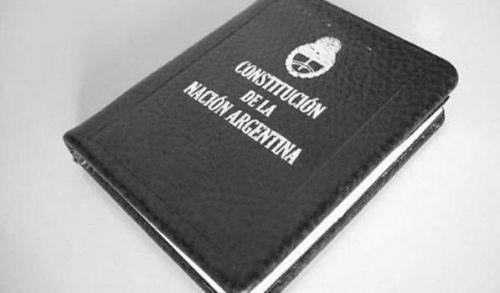 1957- La reforma de la Constitución Argentina de 1957 fue realizada durante la dictadura militar autodenominada Revolución Libertadora.