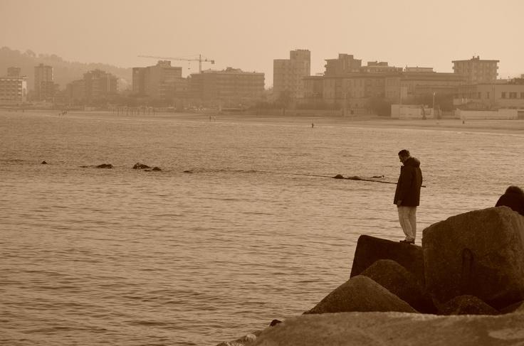 """""""La tranquillità del mare d'inverno, ideale per lasciarsi alle spalle la frenesia della vita quotidiana e trovare del tempo da trascorrere facendo quello che più ci piace""""...foto di Roberto Bardeggia"""