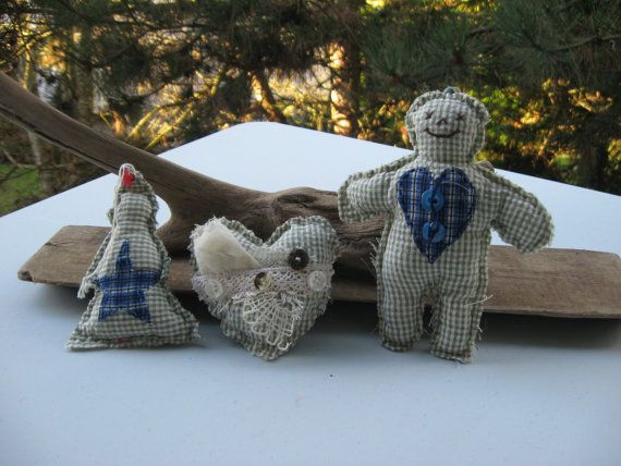 set of 3 christmas ornamentsvinatge materialrecylcled by Voweco