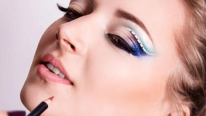 6 Kesalahan Makeup yang Sering Dilakukan Kamu Sadari, Kamu Pasti Pernah!