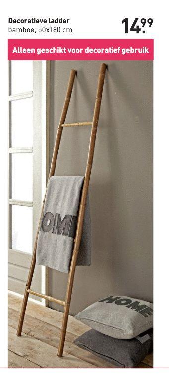 ladder om handdoeken overheen te hangen. Handig en mooi! O.a. te koop bij Xenos