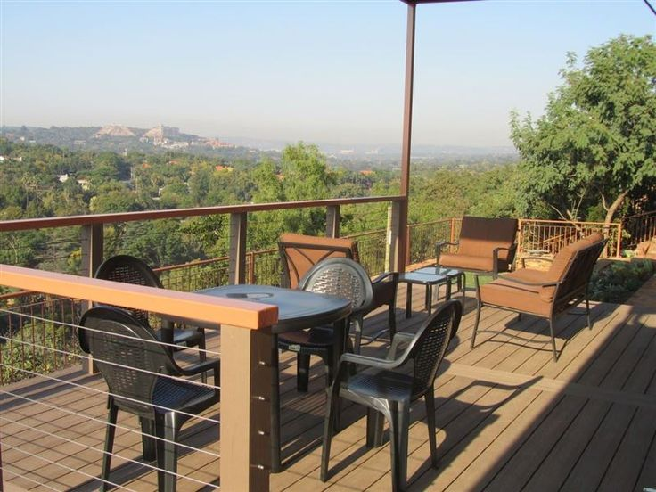 Wag 'n Bietjie Accomodation - Wag 'n Bietjie – Linger a While is a two-bedroom, self-catering home located on top of a hill overlooking a green belt of the Moreleta Stream. The property offers panoramic views over the eastern suburbs ... #weekendgetaways #pretoria #easterngauteng #southafrica