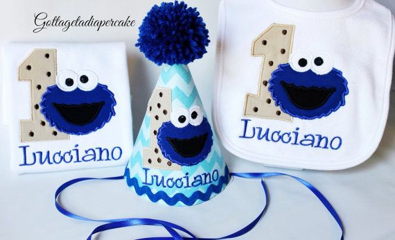 Love the set, especially the party hat! cookie monster birthday party cookie by Gottagetadiapercake