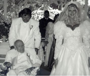 Actress/Personality Anna Nicole Smith, 26, married J. Howard Marshall, 89, in 1994.  Though she reportedly never lived with him, Smith maintained that she loved her husband, and age did not matter to her. Thirteen months after his marriage to Smith, Marshall died at age 90.