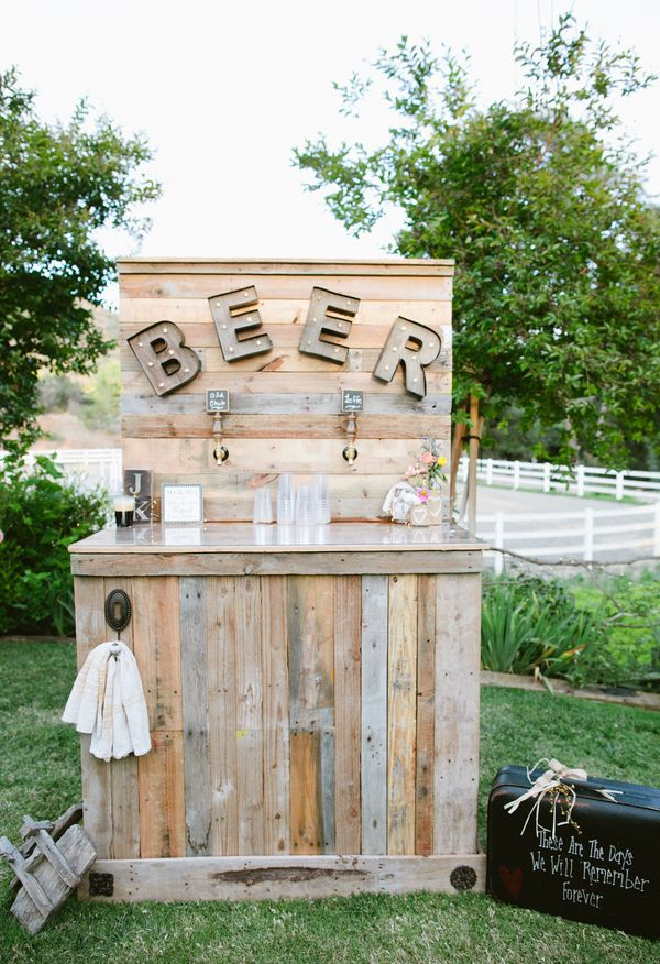 Beer station, constructed by family members, rustic // Dear Darling Photography