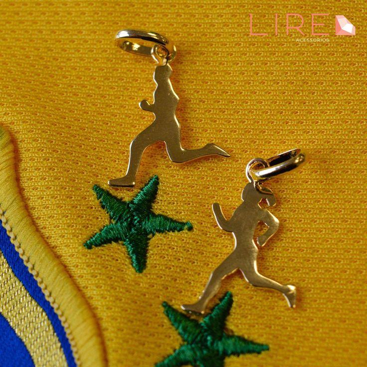 Olimpíadas Rio 2016 Esta todo mundo antenado nos jogos e hoje começa a competição de Atletismo. Os corredores de final de semana não podem deixar de usar estes lindos Pingentes Folheados a Ouro de Corrida versões masculino e feminino Lire Acessórios! Whatsapp 11 95249-6050 www.lireacessorios.com.br #LireAcessorios #Semijoias #FolheadoaOuro #InstaJoias #AmoAcessorios #Joias #AcessoriosdoDia #Tendencia #PingenteDeCorrida #Olimpiada2016 #OlimpiadaRio2016 #Atletismo #Corrida