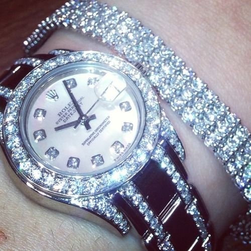 Rolex watches : the most beautiful collection in the world, with the diamond bracelet its exquisite