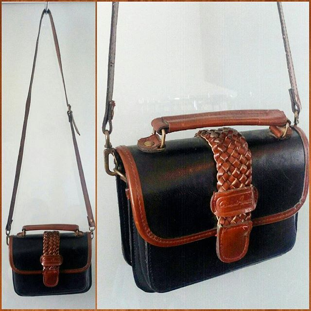 90s small leather cross body satchel purse.