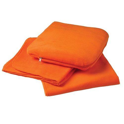 Флисовый плед, сворачивающийся в подушку