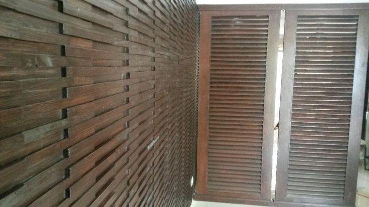 25 ideas destacadas sobre duela de madera en pinterest for Puerta tipo louver