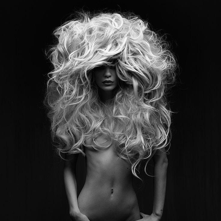 © Peter Coulson 2014 Photographer Peter Coulson @ www.peter-coulson.com.au Model: Rhiannon Tragear-Ragg Vicious Models Hair: Victoria Mua-Hairstylist Make-up: Joanna Blair Lighting: Bowens 1.5 Octagonal soft box front
