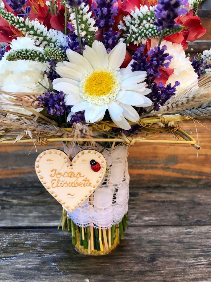 #Lumanari de #botez din #ceara #naturala rulata manual si #lavanda proaspata pentru un #botez #traditional #romanesc by Atelier Floristic Aleksandra concept Alexandra Crisan